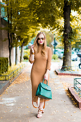 Ashley Hutchinson - Tan Knit Midi Dress, Mcm Green Backpack Tote, Valentino Tan Rockstud City Sandals - Early Autumn Knit Dress