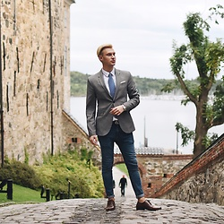 Piotr Ryterski - Gucci Belt, Aldo Shoes, Longines Watch - Bay bae