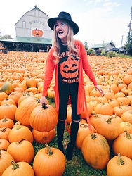 Sydney Hoffman - Lookhuman Pumpkin Top, Guess Black Jeans, Forever 21 Hat - October