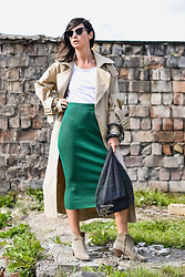 URBAN CREATIVI-TEA - Thom Browne Sunglasses, H&M Trench, Bynamesakke T Shirt, Zara Skirt, Kas Kryst Bag, Isabel Marant Shoes - Easy As Emerald & Zara Midi Skirt / urbancreativi-tea
