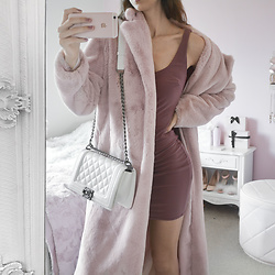 Tia Mcintosh - Shopakira Slinky Dress, Chanel White Boy Bag, Ohpolly Long Blush Coat - Fabulous Fur OOTD