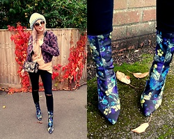 Joanna L - Primark Sock Boots, Parfois Bag, Therustywool Handmade Knitted Hat - Autumn look / mix patterns/ sock boots trend