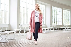 Natalia Piatczyc - Pink Leather Coat, Orsay Pink Bag, Primark Embroidered T Shirt With Roses, H&M Black Pants, Primark Pink Espadrilles - Pink autumn