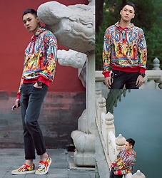 Chris Su - Dolce & Gabbana Sweater, Dolce & Gabbana Slippers On - The Imperial Palace