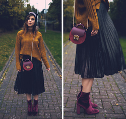 Eleonora Pellini - Salar Mimi Mini Cross Body, Steve Madden Second Skin Velvet Boots, Primark Senape Sweater - Leaves