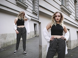 Paula Avalon - Stradivarius Striped Trosuers, Pull & Bear Black Crop Top - Stripes for life