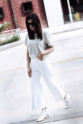 Flaunt and Center - Denim - White on white