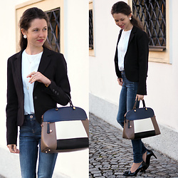 Claire H - Henry Bendel Necklace, G Star Raw Jeans, Calvin Klein White T Shirt, Furla Tote, Högl Heels - Fashion for business
