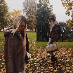Dominika & Ola - Second Hand Fake Fur, Calvin Klein Bag, Solo Femme Boots, Forever 21 Blouse, Stradivarius Hat, Second Hand Pants - Faux fur for Autumn ?