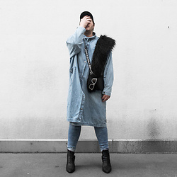 Wyatt Morgan - Asos Fake Fur Stola, H&M Faux Leather Bag, Weekday Denim Dress, H&M Destroyed Denim Skinny Jeans, Diesel Sunglasses - 04 11