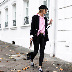 Catherine V. - H&M Paperboy Hat, Zara Pearls Blazer, Only Sweat Shirt, Diesel Leather Pants, Vans Old School, Gucci Marmont Velvet, Asos Pearls Earrings - HOW TO WEAR A HOODED SWEATSHIRT IN A CHIC WAY