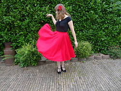 Angel Lane - Hellbunny Skirt, Hellbunny Top, Graceland T Straps - Classic Red & Black