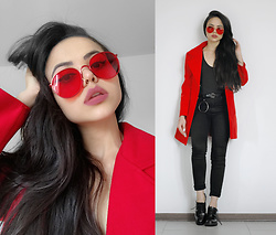 Clara Campelo - Zerouv Sunnies - Red