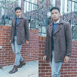 Robert James - Uniqlo Blue Sweater, Plain White Long Sleeve Shirt, Forever 21 Brown Coat, Steve Madden Brown Oxford Boots, Gray Skinny Jeans - Mode