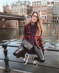 Stephanie Van Klev - Euro Coat, Zara Blouse, French Connection Uk Vinyl Pants, Vans Sneakers, Chanel Bag, Gucci Glasses - Amsterdam (R)etro vibes