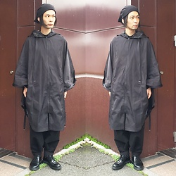 @KiD - By H Kuroko Cap, Monochrome Poncho, Monochrome Penguin Pants, Dr. Martens 3 Hole Shoes - JapaneseTrash231