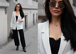 Justyna Lis - Zara Black Heels, Guess Black Top - The white blazer