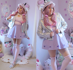 PastelKawaii Barbie - Dog Cut Out Heart Crop Top, Trash Queen Pink Ginigham Crop Top, Storenvy Heart Cut Out Skirt, Forever 21 Holographic Jacket, Aliexpress Pink Wig, Ebay Lavender Beret, Sock Dreams Pink Stockings, Cotton Candy Feet Holographic Lolita Shoes, Hot Topic Lavender Pink Choker - ♥ Glam Hearts Club ♥