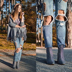 Tamara Bellis - Rosegal Beret, Rosegal Poncho, Zaful Denim, Rosegal Ankle Boots - Shiny Fall