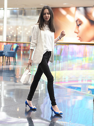 Claire H - Zara White Blazer, Lyvem White Shirt, Högl Pearl Embellished Blue Satin Heels, Longchamp Le Pliage - Color popping heels