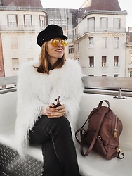 Valeriya Sytnik - Michael Kors Backpack, Zerouv Sunnies, Saint James Cap - Cold day in Budapest