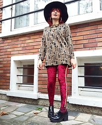 Luna Tiger - Kiabi Black Capeline, New Look Necklace, Claire's Bamboo Golden Earrings, Vintage Top, Lunar Pop Shop Red Velvet Leggings, Topshop Polka Dots Socks, Bershka Zipped Shoes - TIME DOORS