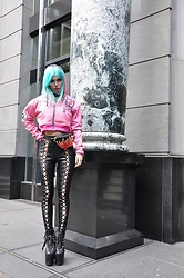 Stav Monskey - Wia Hoodie Zipper, Skinnydip London Bum Bag, Dolls Kill Lace Up Leggings, Unif Hellbound Boots - Stay humble, love marble