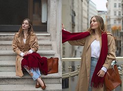 Daniela Guti - Jeans, Trench, Sweater, Scarf, Bag - Autumn in New-York