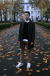 Anel Musanovic - Puma Sneakers, H&M Chinos, New Yorker Grey Coat, Jack&Jones Black Sweater - November rain
