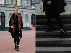 Paula Avalon - Zara Black Oversized Coat, Pull & Bear Ankle Boots - Reds&dots