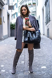 Clarissa C. - Asos Grey Coat, Aigner Black Bag - Winter look