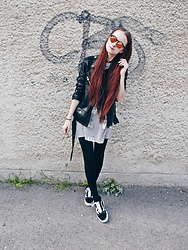 Viktoria Fabryova (shy.redhead) - Pull & Bear Leather Jacket, Bershka Dress/T Shirt, Vans Shoes - CONCERT LOOK