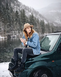 Richy Koll - Dr. Martens Boots, Cheap Monday Jeans, Levi's® Jeansjacket, Urban Outfitters Hat, Jeep Car - Adventure is out there w/ Jeep