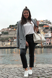 Joana Sá - Mango Blazer, Cinco Necklace, Daniel Wellington Watch, Stradivarius White Shirt, Bimba Y Lola Bag, H&M Pants, Lidl Sneakers - Thankful