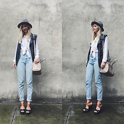 Dominika & Ola - Pimkie Hat, Mohito Shirt, Stradivarius Pants, Wojas Sandals, Calvin Klein Bag - Blue jeans white shirts ?