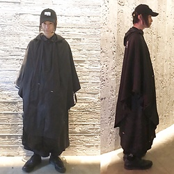 @KiD - Ooioo Cap (Yoshimio), Monochrome Minimal Poncho, Comme Des Garçons The Met, Monochrome Wide Pants, (K)Ollaps 出火吐暴威, George Cox Rubber Sole Shoes - JapaneseTrash251