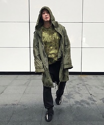 No Rehearsal - Ralph Lauren Oversize Parka, Yeezy Oversize Camo Tee, Champion Jogger, Yeezy Sneakers - 3. ARMY