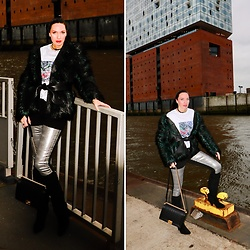 Carmen Adan - Shirt Art Print, Acne Studios Denim Metallic, Chanel Bag, Urban Outfitters High Boots, Balmain Faux Fur Jacket - STREETSTYLE : HAMBURG