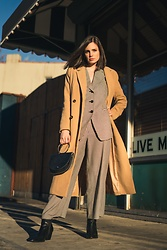 Sami Mauskopf - Missguided Camel Coat, The Frankie Shop Croc Bag, Shop Journal Houndstooth Blazer, Zara Houndstooth Trousers, Free People Vegan Black Booties - Power Suit