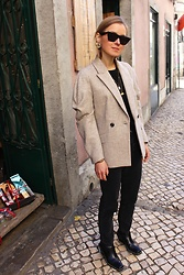 Anna Borisovna - Céline Sunglasses, Zara Blazer, H&M Jeans, Zara Shoes - The Wool Blazer