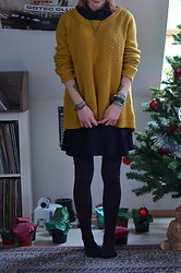 Kelly Doll - My Favorite Sweater, Black Skirt - Christmas flea market outfit