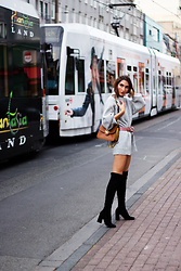 Malia Keana - H&M Oversized Sweater, Zara Overknees, Chloé Mily, Vintage Belt - Oversized Sweater and Chloe Bag
