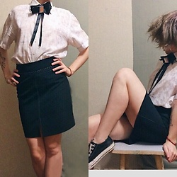 Nell Karasu - Black Skirt, Men'S Shirt, Black Classic Sneakers, Black Butterfly Tie - Classic & comfortable