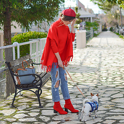 Tamara Bellis - Sammydress Poncho, Zaful Jeans, Gamiss Sock Booties, Sammydress Beret, Zaful Bag - Santa Style In