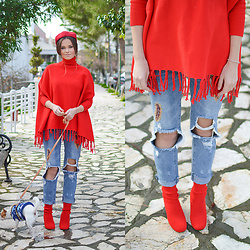 Tamara Bellis - Sammydress Poncho, Zaful Jeans, Gamiss Sock Booties, Sammydress Beret - Christmas in Red