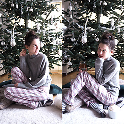 Claire H - H&M Cashmere Knit, Hofer Pants, My Own Christmas Tree 🎄 - A cosy Christmas ✨ day