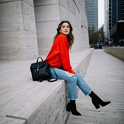 Ali C - Rue21 Blue Jean, Kendallandkylie Black Boot, Tommy Hilfiger Bag, H&M Red Sweater - RED•BLUE