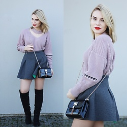 Carina Gonçalves - Zaful Sweater, Pull & Bear Skirt, Sammydress Boots - Baby, I'm dancing in the dark With you between my arms