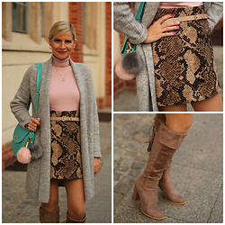 Małgorzata Miłosz - Cubus Grey Cardigan, H&M Snake Pattern Skirt, Mohito Pink Turtleneck, Deezee Taupe Over The Knee Boots - Snake pattern skirt