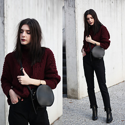 CLAUDIA Holynights - Vipshop Round Bag, Prof Boots - Burgundy and black